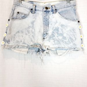 Wrangler Embroidered Daisy Floral Jean Shorts 27